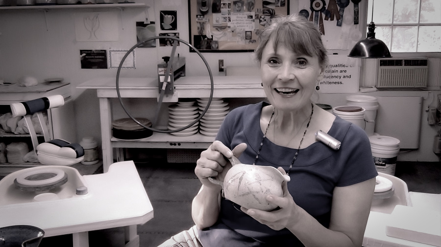 Handbuilding with pottery clay by Antoinette Badenhorst at TeachinArt.com